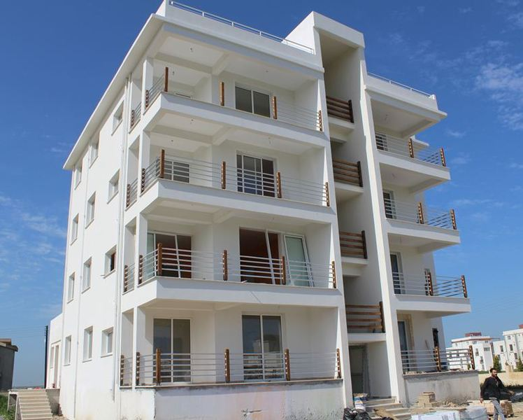 Three bedroom apartments in walking distance to beach