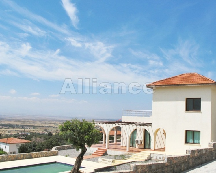 Stunning three bedroom villa in Bogaz
