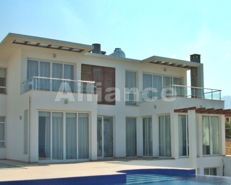 Luxury 3 bedroom villa with private swimming pool in Esentepe