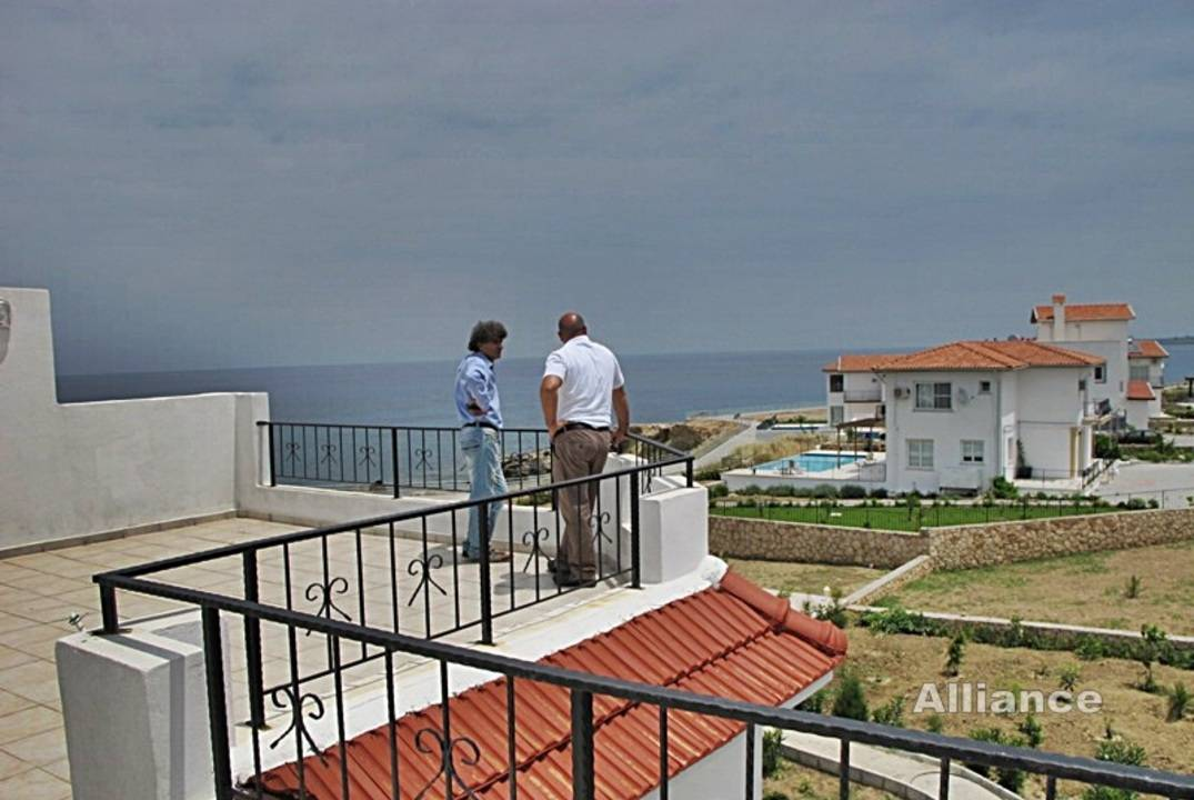 Penhaus with three bedrooms, an uninterrupted view of the sea!
