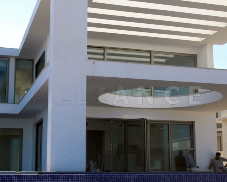 Exclusive sea front villa in Catalkoy