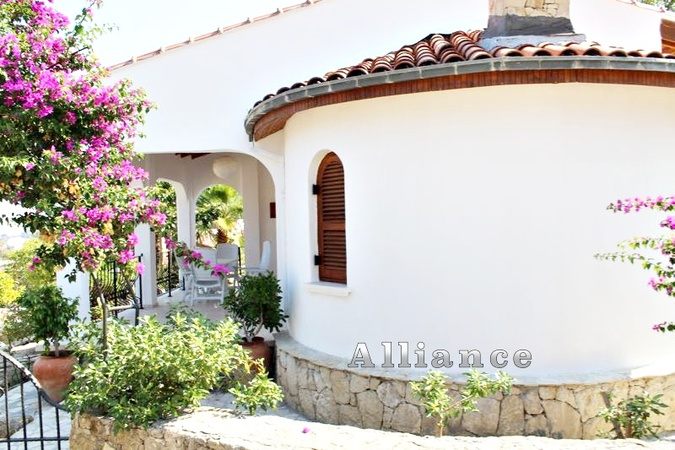 Two bedroom traditional  bungalow in Bellapais