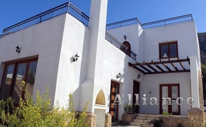 Villa in Karmi, unrivaled views of the sea and themountains!