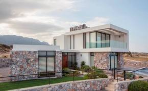 Luxury villas on the beach, Bahceli