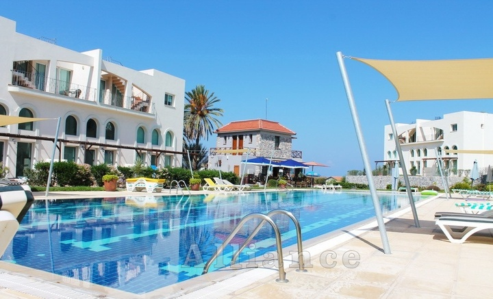 Garden apartments   and penthouses in Bahceli, the seashore!