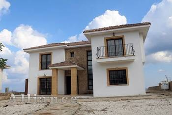 Luxury villa in Kayalar