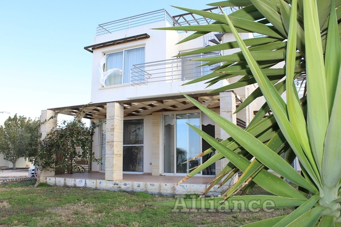 Apartment with a private garden, the beach is  within 500 meters, designer furniture!