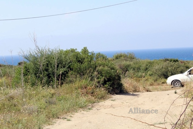Land on the first line of the sea for sale
