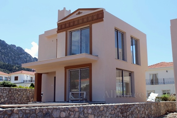 Price, location and quality - villas in Lapta, viewing recommended