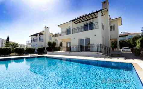 Villas for sale in Bogaz, 800 meters from the sandy beach!