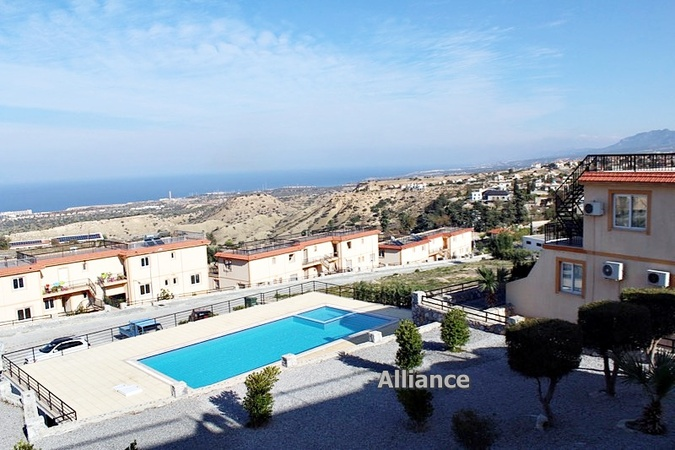 Luxury penthouse in Arapkoy, perfect furnishings, best views in Cyprus