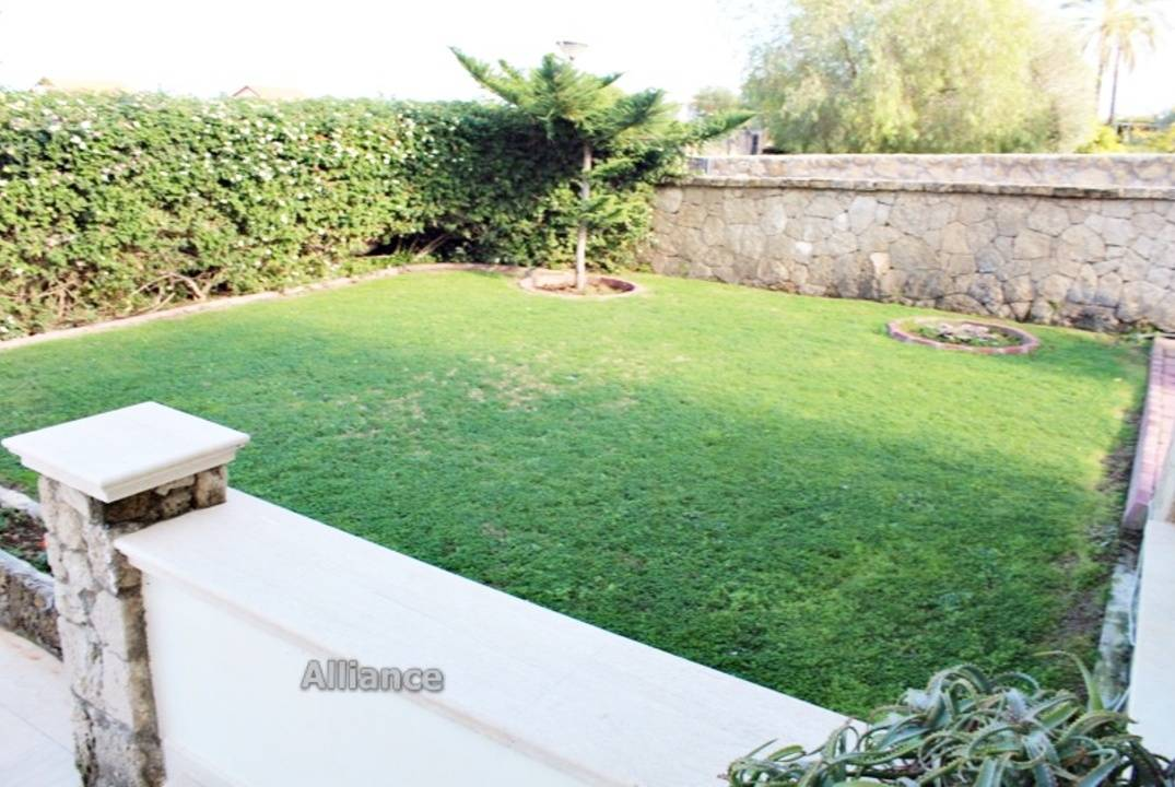 Luxury villa in Chatalkoy, 5 bedrooms, swimming pool