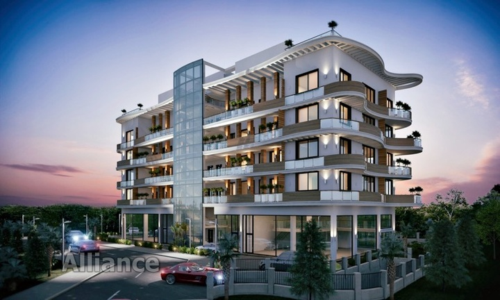 Luxury apartment with swimming pool in the center of Kyrenia