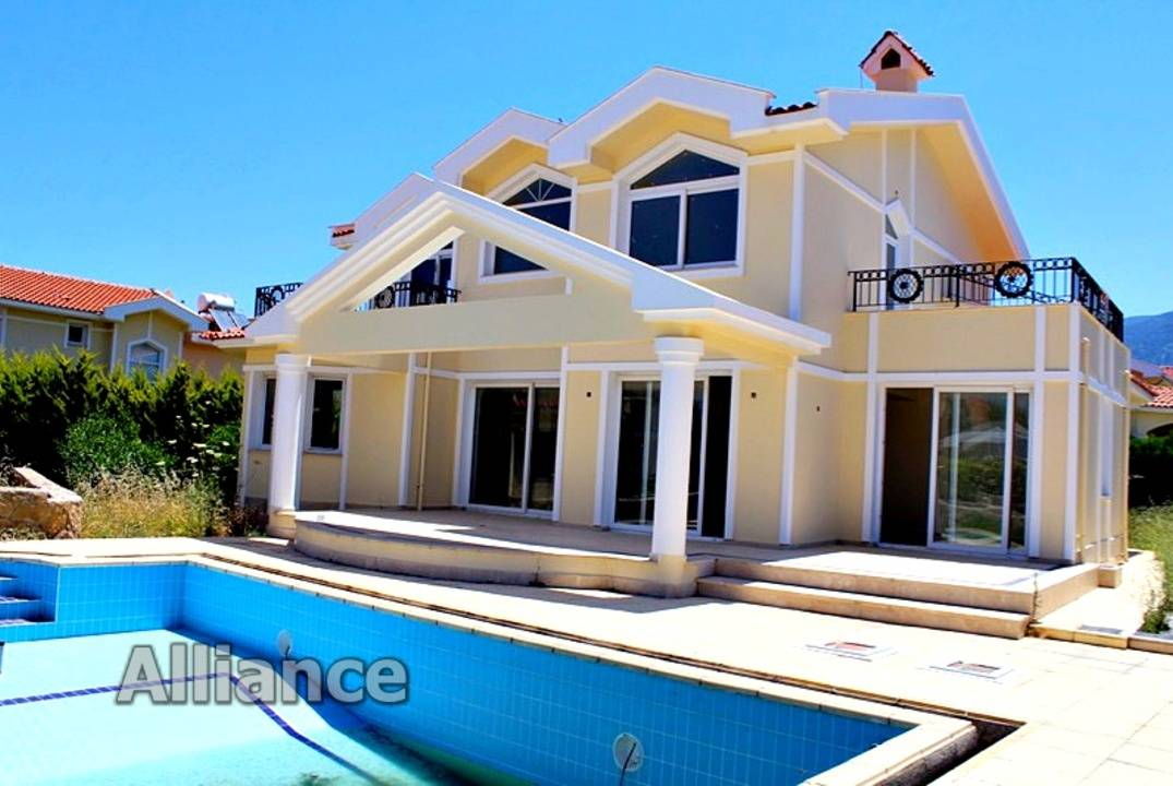 Luxury villa on the sea shore, Lapta