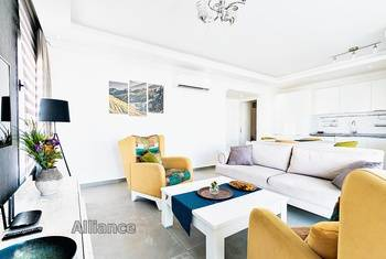 Luxury apartment in the city center near the port