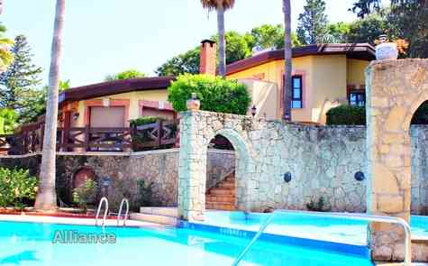 Exclusive villa in Chatalkoy, Turkish titles, three dunums of land
