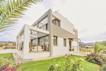Luxury villa near the beach Alagadi