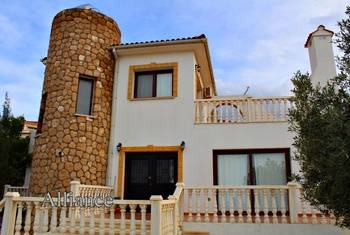 Villa in Bahceli - an exclusive location, a unique panorama.