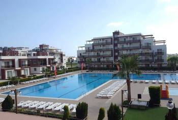 "The studio  for rent in the popular development ""Royal Sun"" , the sea - 500 meters"