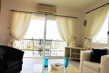 Two bedroom apartment with uninterrupted sea view