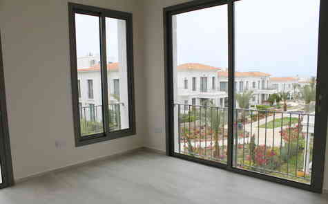 Two-bedroom apartment in an exclusive complex in Alsancak