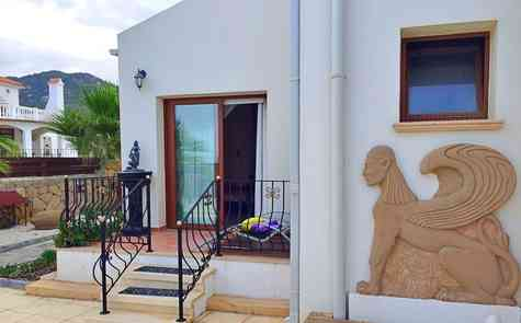 Luxurious villa with pool in Bahceli, stunning views