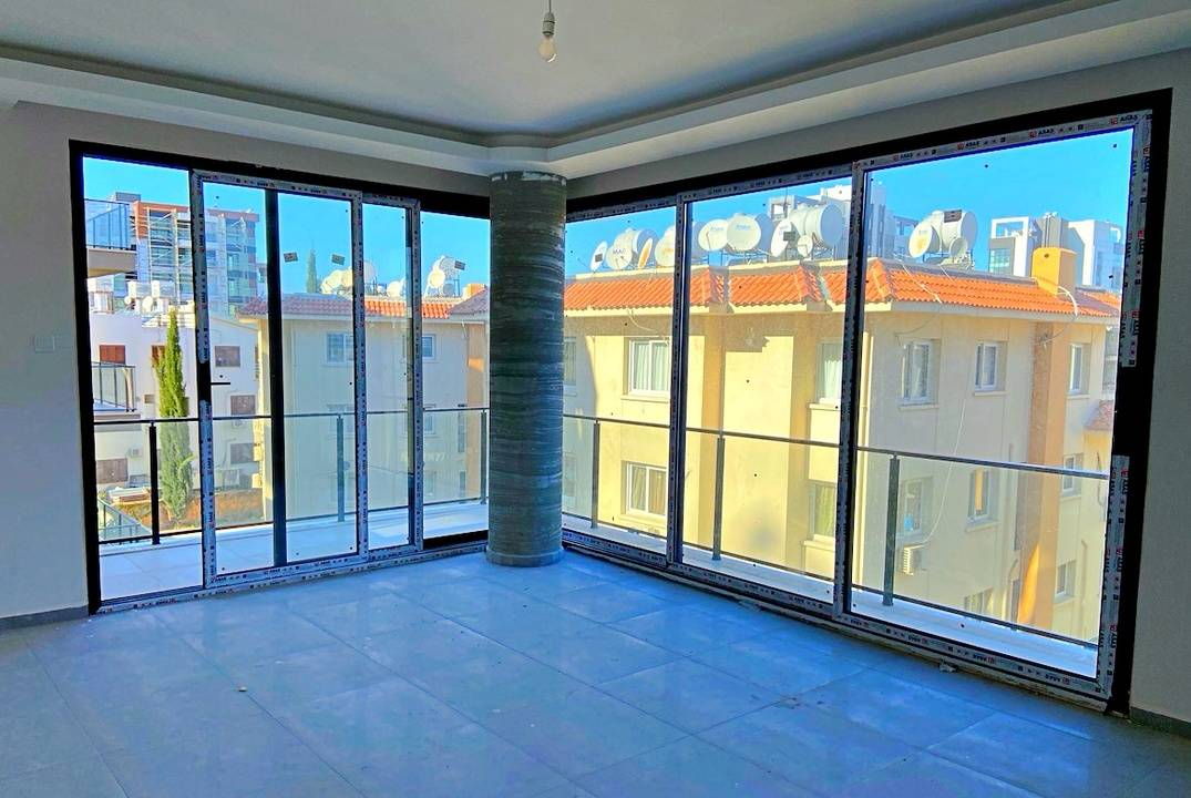 New apartment in Kyrenia with three bedrooms in the gated development