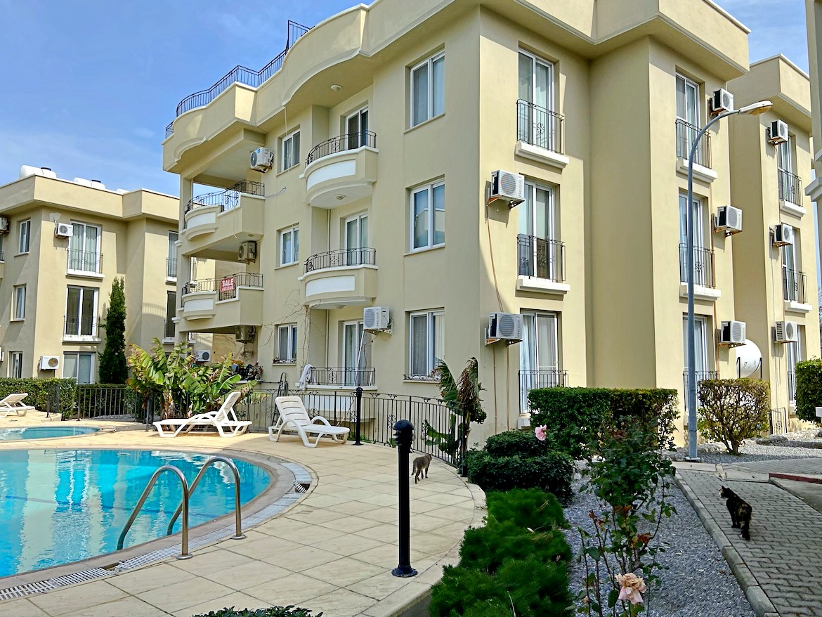 Penthouse inAlsancak, Kavankoy, with a private roof terrace.