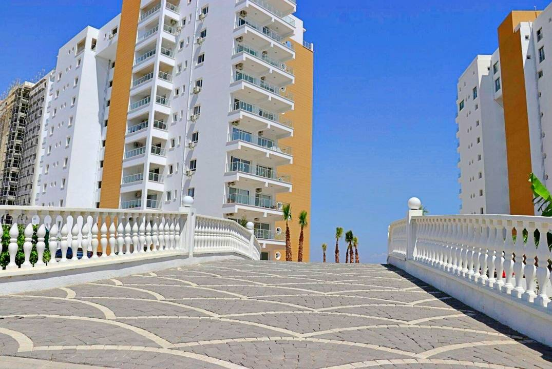 Studio apartment in stunning resort in walking distance to the sea