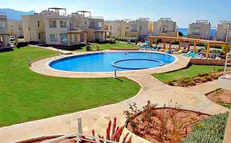New apartments 1 + 1 in the developemnt on the beach, Esentepe
