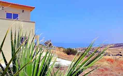 Villa in Alagadi, four bedrooms,  minutes access to beaches