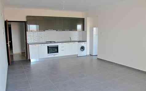 Studio apartment in a completed complex near Long Beach
