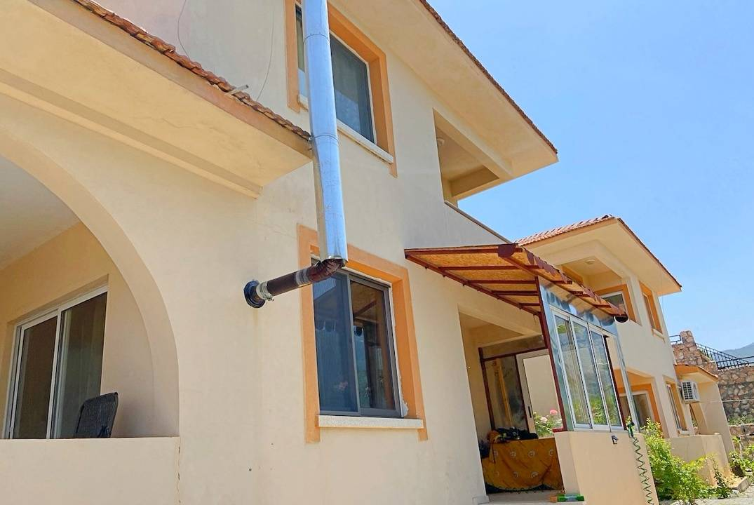 Stunning panoramas, private plot of land, separate entrance, two closed terraces - 3 + 1 apartment in Chelsy, in Arapkoy