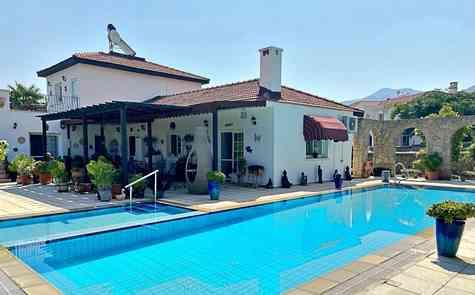 Luxury villa in Bellapais, stunning views