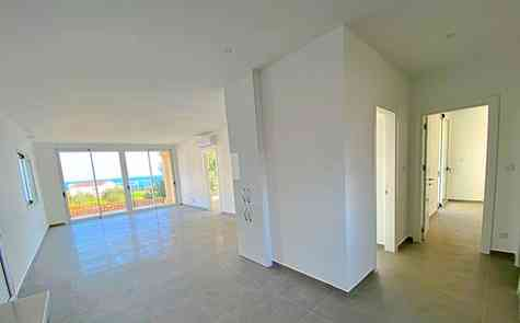 Three bedroom apartment on the ground  floor on the coast, resale with furniture