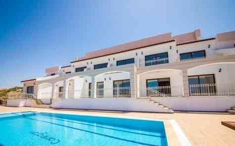 Luxury one bedroom townhouse on the sea side