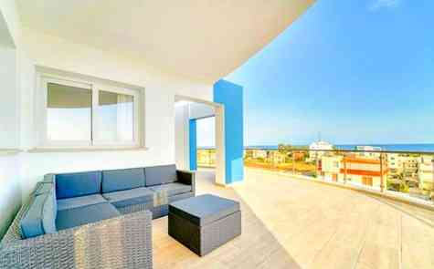 Large apartment in residential complex on the coast