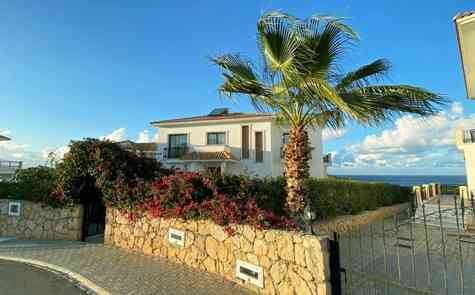 Villa in Esenteep, enjoy the sound of the waves