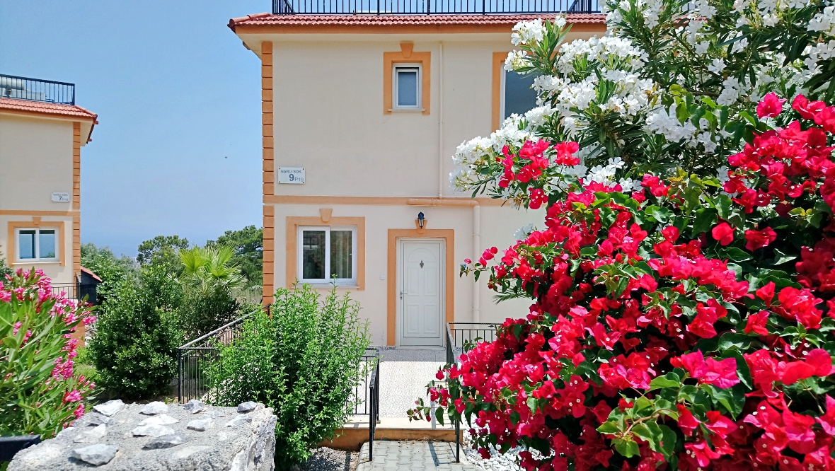 Villa for two families in a gated complex - wonderful panoramic views of the sea!