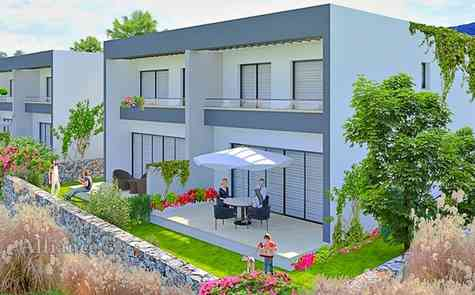 Villas with two and three bedrooms close to the beach and all amenities