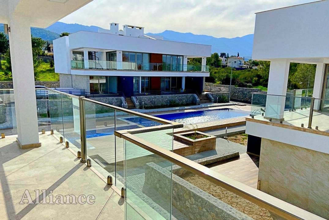 Stunning penthouses with large terraces, impeccable construction quality