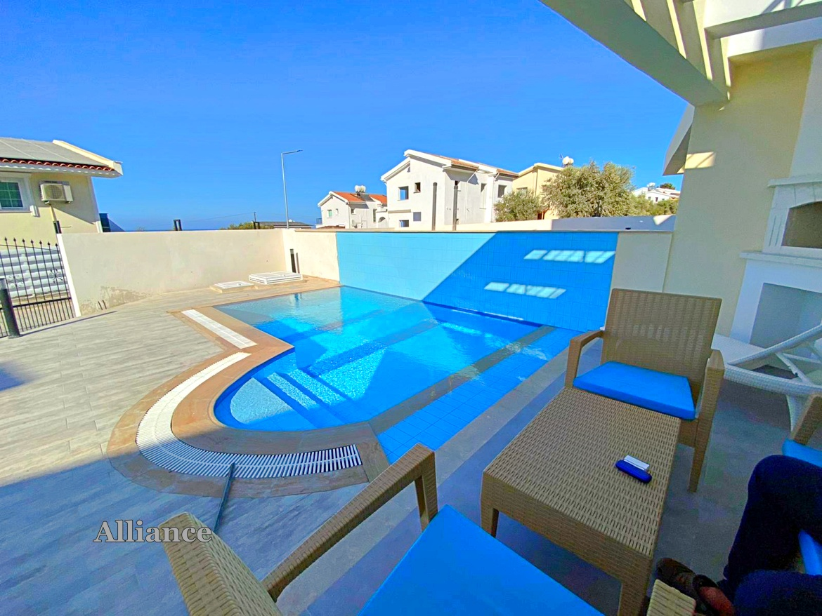 Semi-detached villa in Alsanjak with pool, furnished