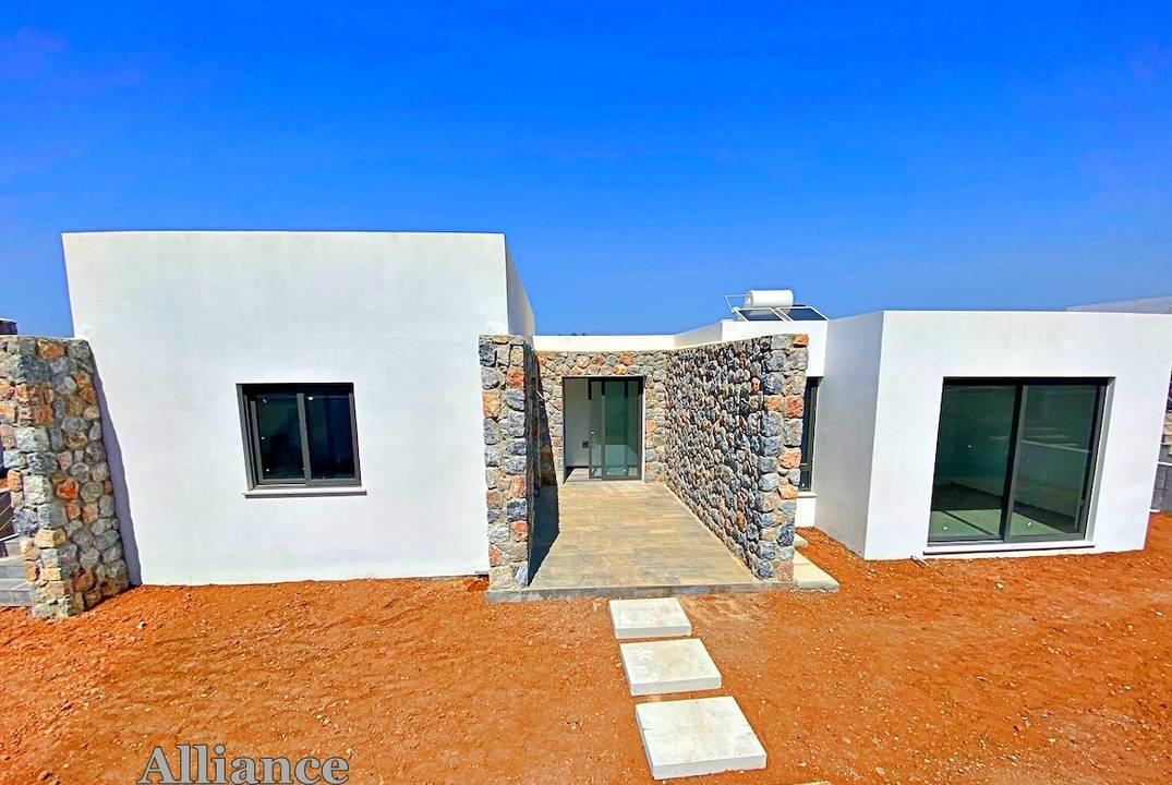 Bungalow in the conservation area in Alagadi