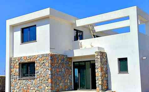 Villas in the complex 200 meters from the sandy beach in Alagady