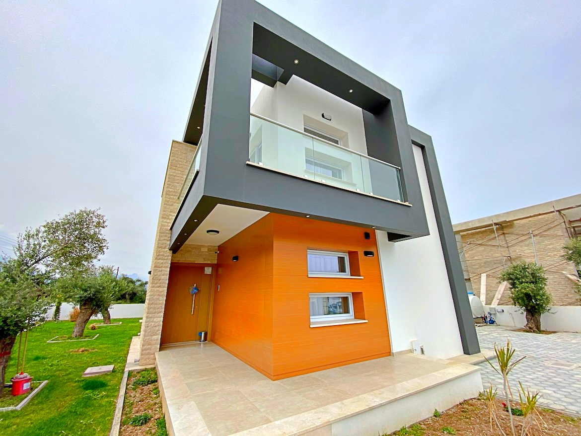 4 bedroom villa in Catalkoy - great location, modern design!