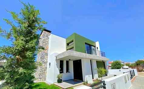Luxurious modern villa in Zeytenlik