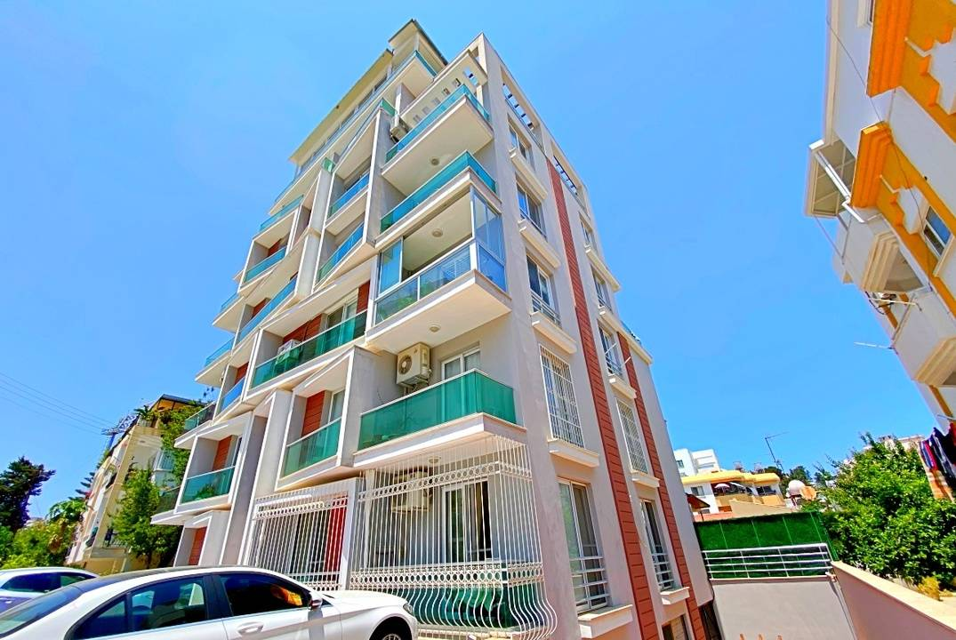 One bedroom apartment with a large terrace in Kyrenia