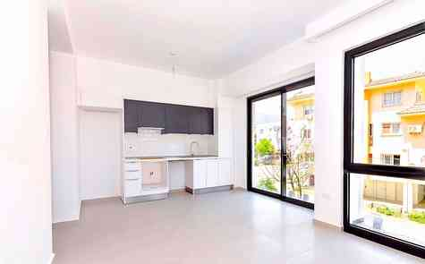 Stylish 2 bedroom apartment in brand new completed apartment block in the heart of Kyrenia.