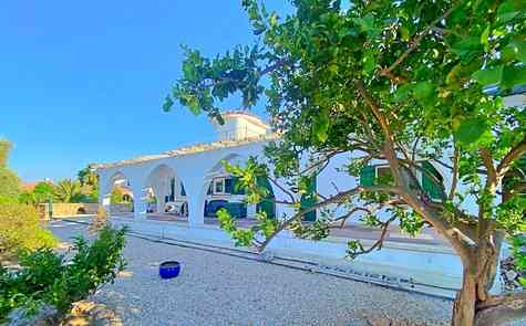 4 bedroom villa built in traditional Cypriot style in Catalkoy