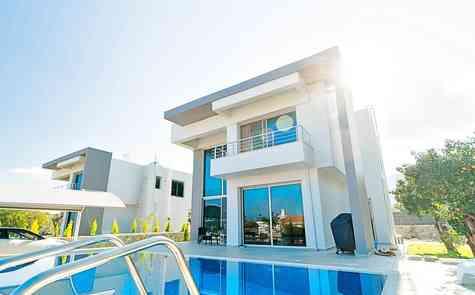 New modern design villa in Alsancak, fully completed, loan possible